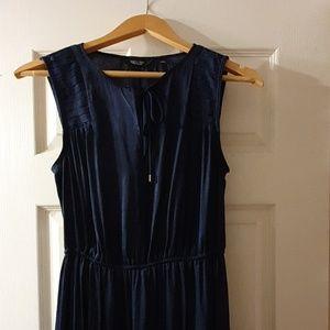 Classic casual lightweight dress.